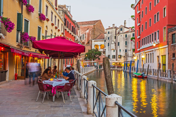 10 Nearby Eateries in the Heart of Venice feature image.
